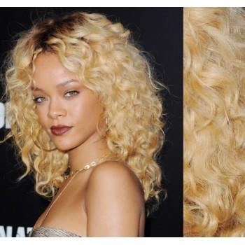 Tape in vlasy 53cm lidské, kudrnaté - NEJSVĚTLEJŠÍ BLOND