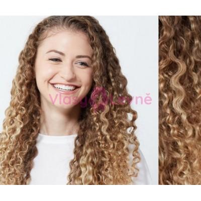 Tape in vlasy 53cm lidské, kudrnaté - SVĚTLÝ MELÍR