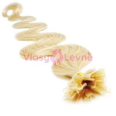 Keratinové vlasy, 100% lidské, 60cm 0.5g, vlnité - NEJSVĚTLEJŠÍ BLOND